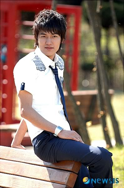 SD nya Yeon Seo *kata gw sii dia rada mirip Mochi alias Henry Suju M