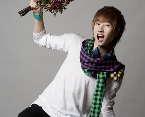 http://dateforsuju.files.wordpress.com/2009/12/eunhyuk.jpg